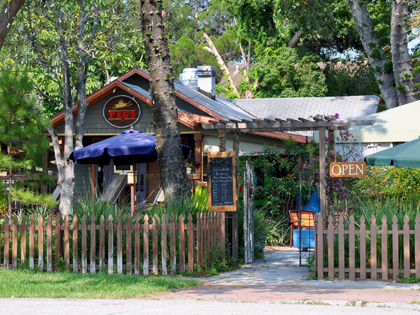 Peg's Cantina and Brew Pub - Historic Waterfront District (Lunch on weekends and Dinner)